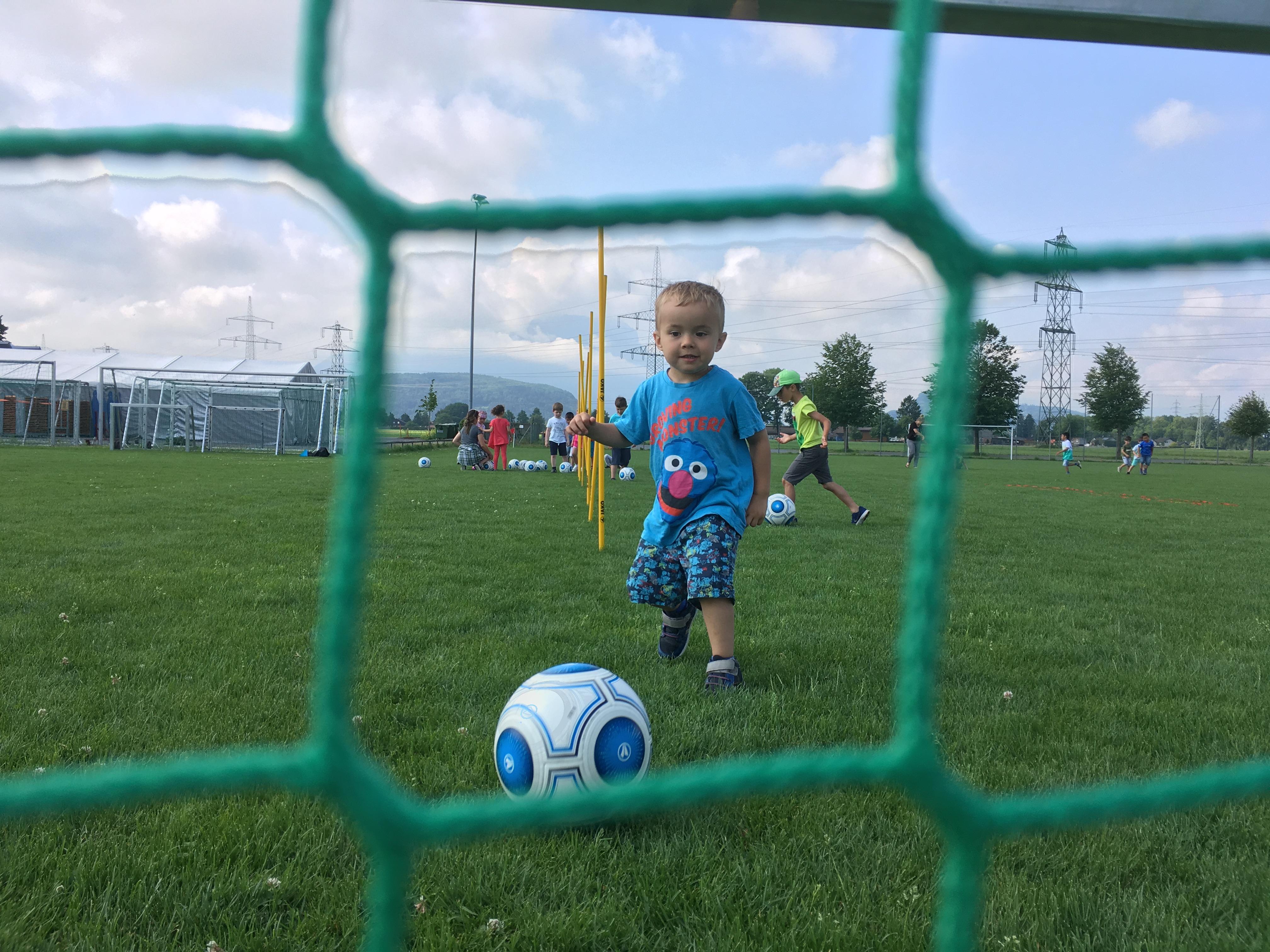 Fußball spielen beim SK Brederis (3).JPG